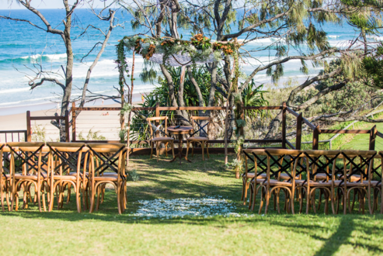5 of the best waterfront reception venues on the sunshine for Beach wedding venues east coast