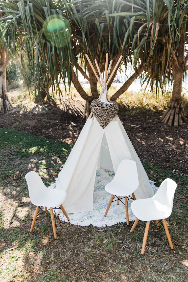 boho vintage wedding Noosa _ Emma Nayler Photographer _ The Bride's Tree