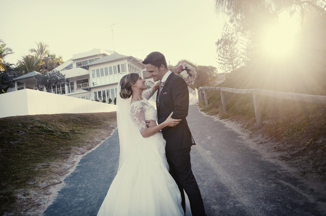 Real wedding kate steve in sunshine beach the bride 39 s for 20000 wedding budget