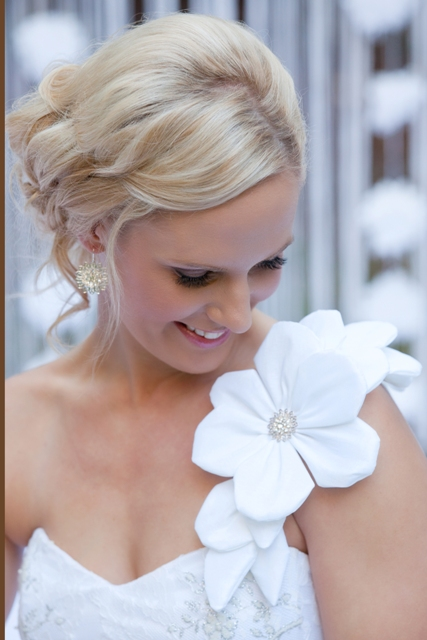 Bridal Hair And Makeup Sunshine Coast : Modern Glam Beauty - The Brides Tree