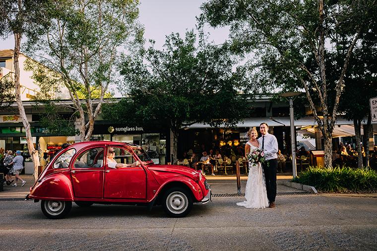 411-swirltography-laurinda-joe-fantastic-noosa-beach-wedding