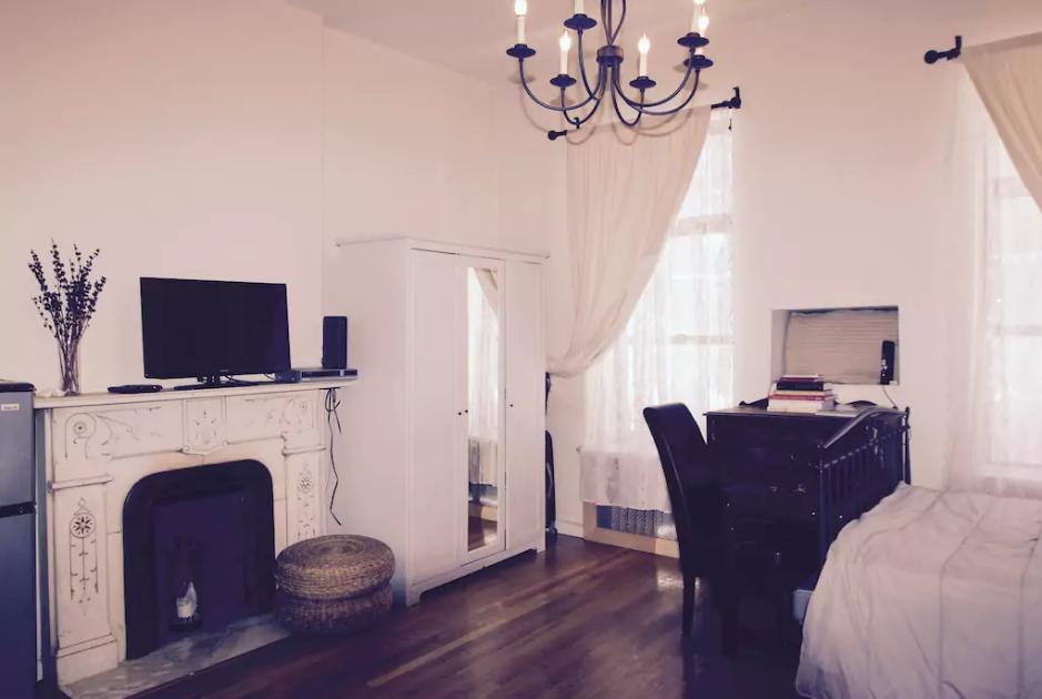 Romantic Airbnb Apartment