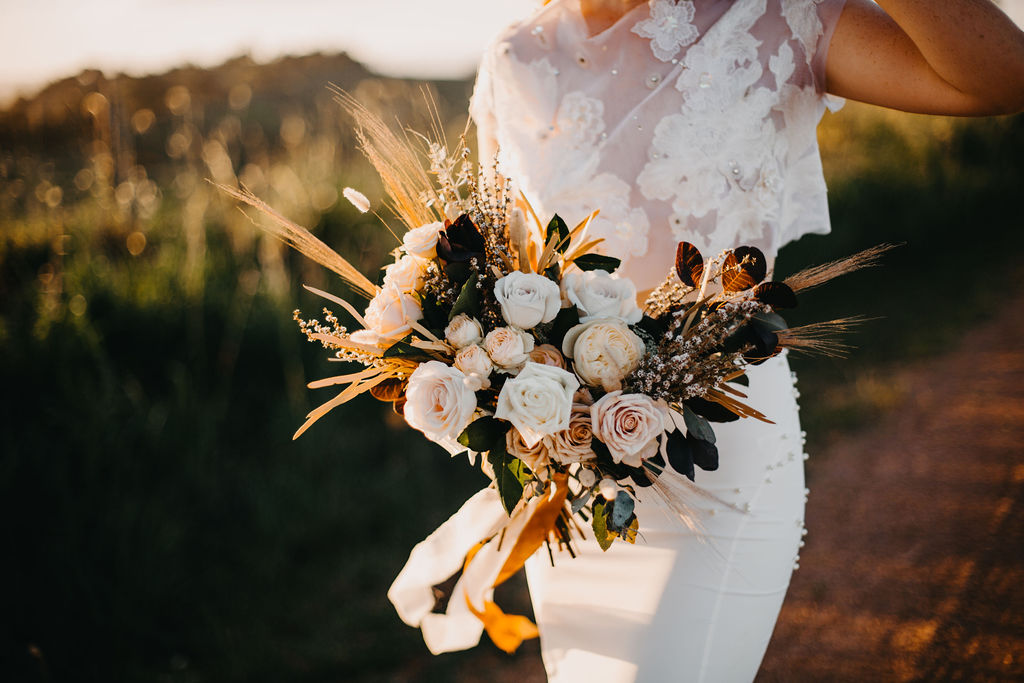 Earthy Autumn Bride _ Angela Cavanno _ The Bride's Tree _ Autumn bridal style_1