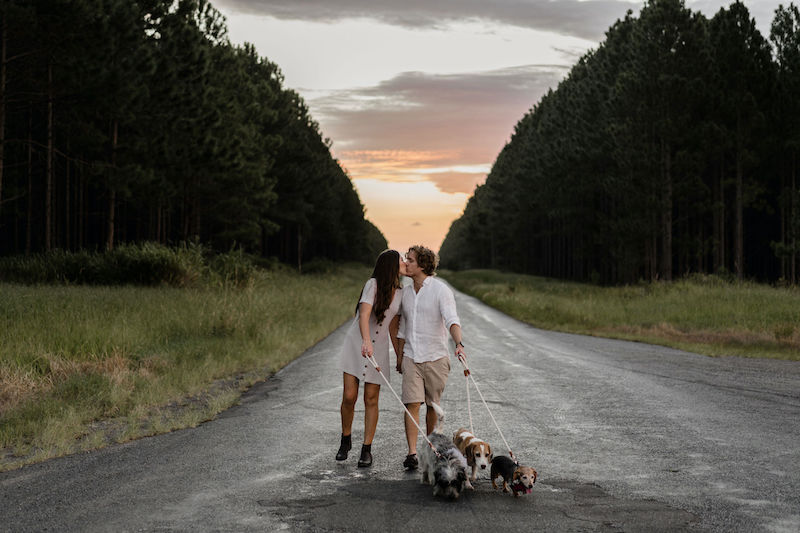 engagement shoot with dogs _ engagement shoot Sunshine Coast _ Emma Nayler Photographer
