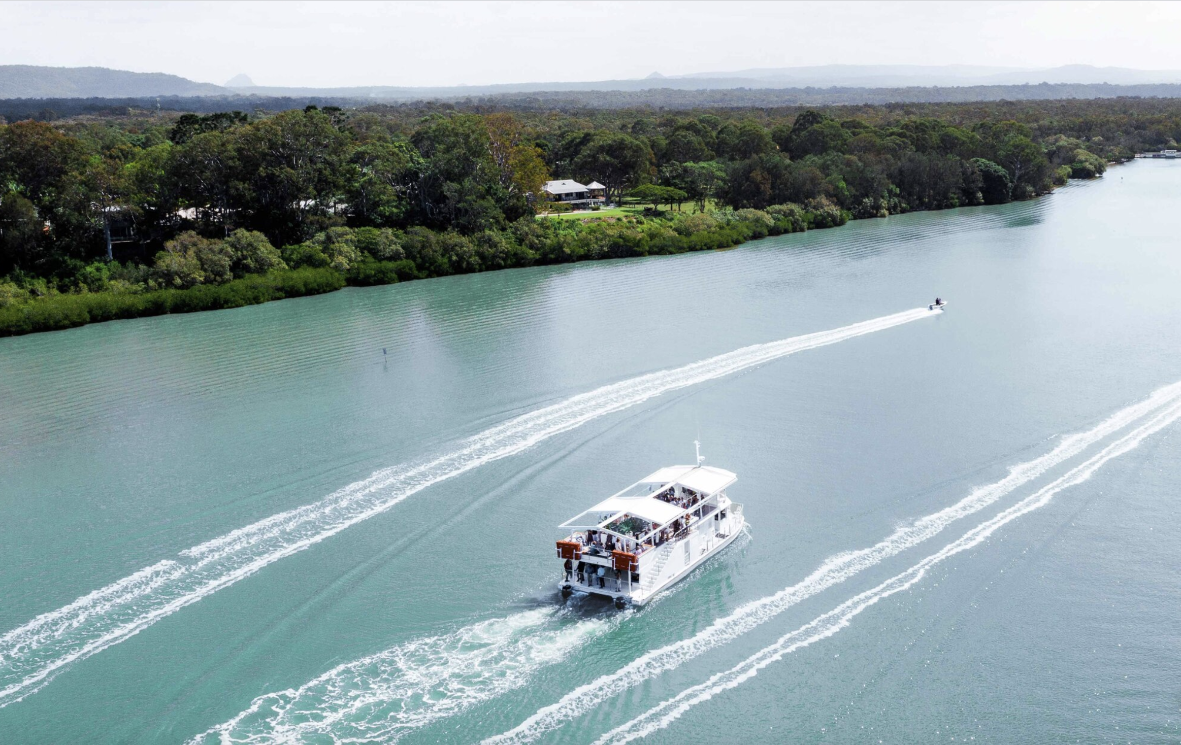 Honeymoon in Noosa _ Things to do in Noosa on your honeymoon