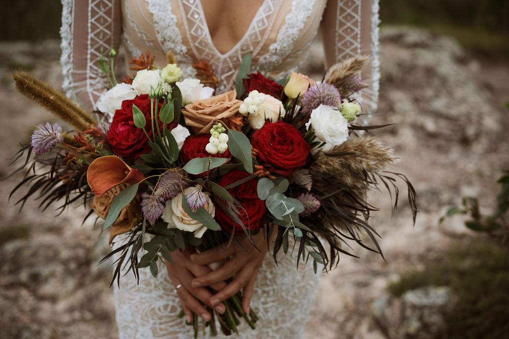 sunshine-coast-wedding-photography-terri-hanlon-photography-sunshine-brides-suncoast-flowers-allira-ashwell-3
