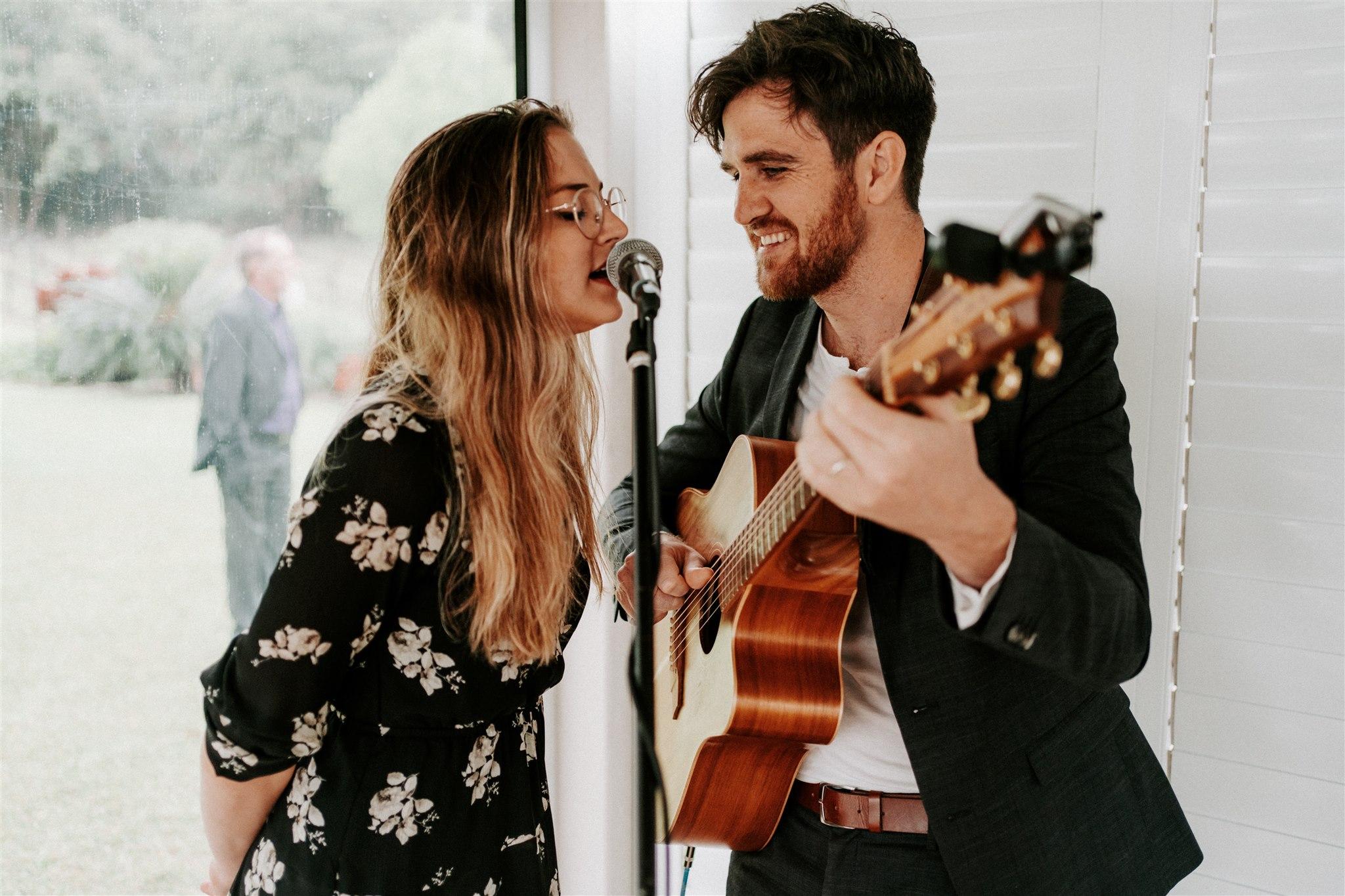 Sunshine Coast wedding singers _ Maleny wedding singers